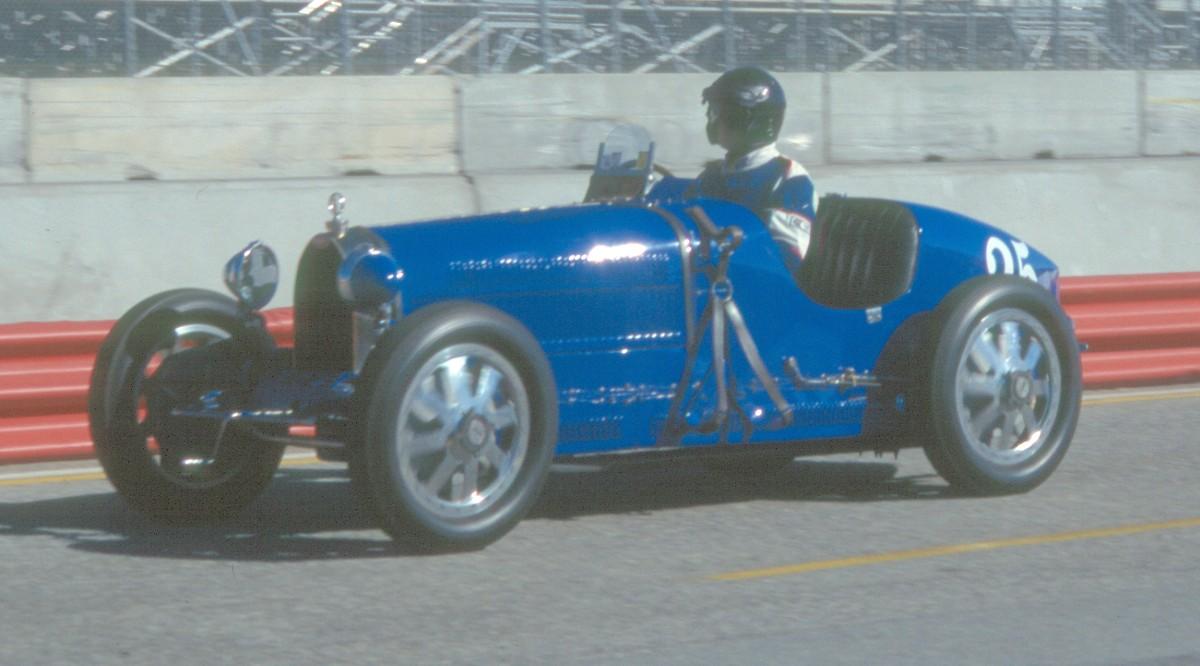 Bugatti Veyron Engine Sound Mp3 >> Bugatti Veyron Super Sport Revving.BUGATTI VEYRON SUPER SPORT 1200HP ANY SUPERCAR FASTER ...